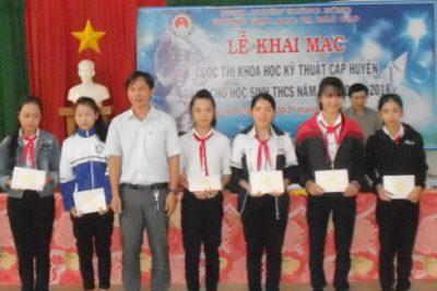 Phòng Giáo dục và Đào tạo Krông Bông tổ chức Hội thi Khoa học – Kỹ thuật lần thứ III, năm học 2017 – 2018