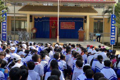 UBMTTQ Việt Nam tỉnh Đắk Lắk trao tặng xe đạp cho học sinh nghèo huyện Krông Bông
